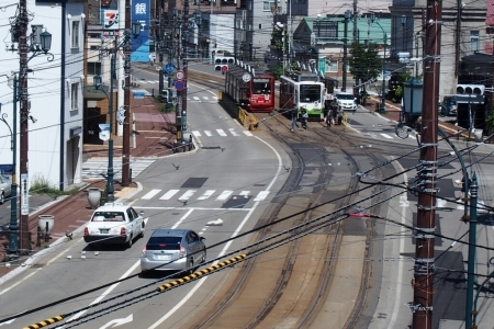 函館十字街、函館市地域まちづくりセンターへ。_b0106766_20233848.jpg