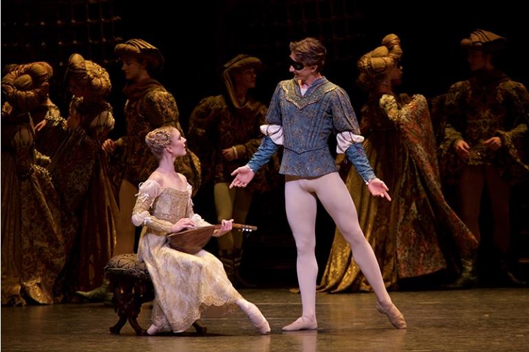 英国ロイヤル・バレエ団 『ロミオとジュリエット』_a0326295_057447.jpg