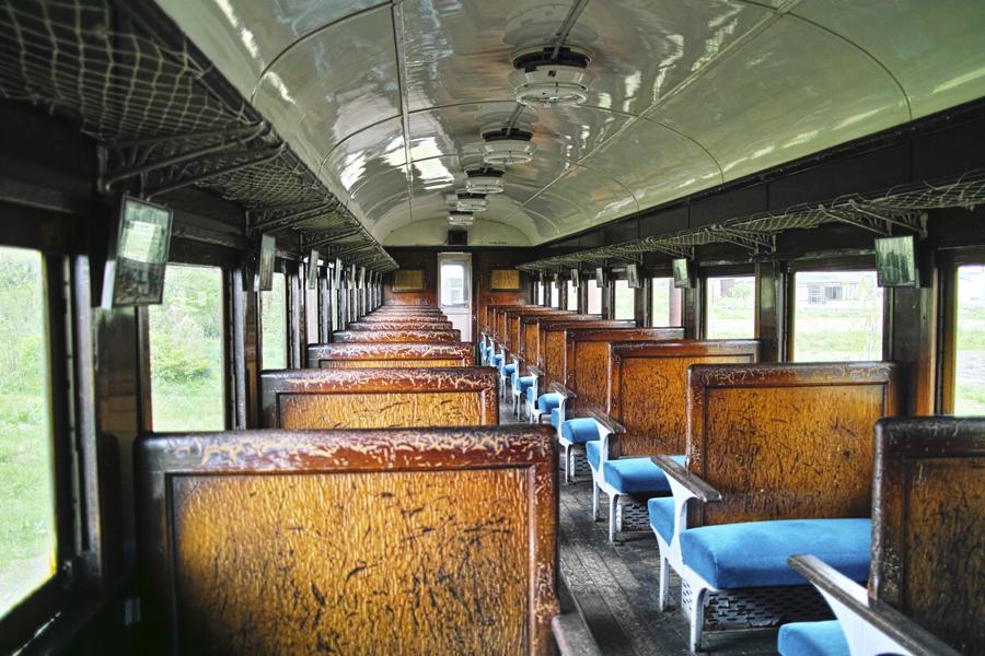 喜多方市を歩く③熱塩駅に残る旧車両_c0223825_09573809.jpg