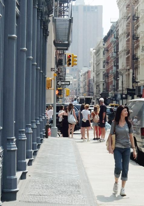 初夏のニューヨーク、のんびりとSOHOのお散歩風景_b0007805_12181133.jpg