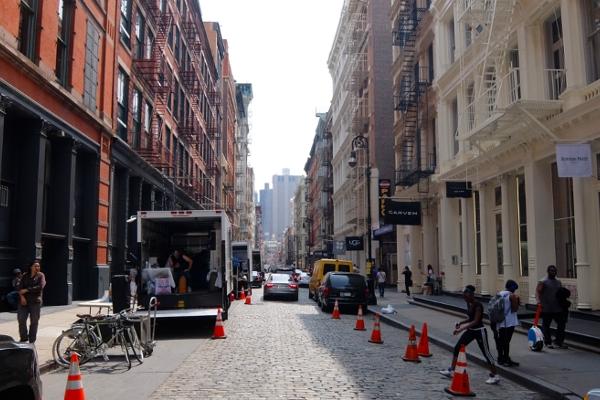 初夏のニューヨーク、のんびりとSOHOのお散歩風景_b0007805_12183282.jpg