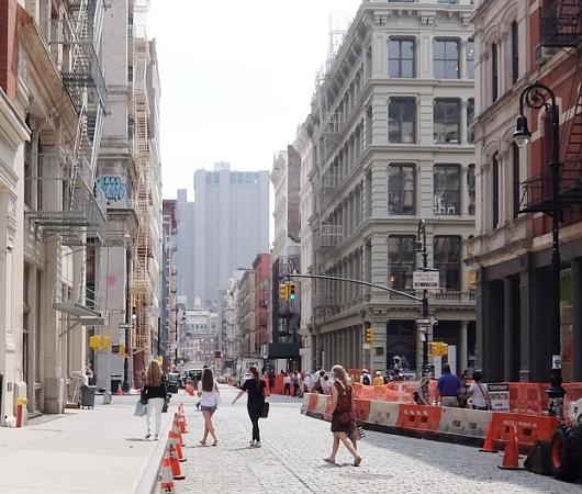 初夏のニューヨーク、のんびりとSOHOのお散歩風景_b0007805_12185937.jpg