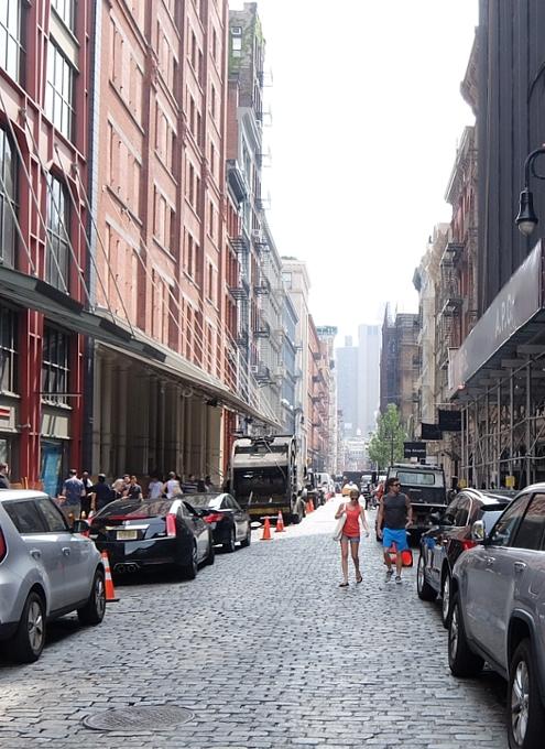 初夏のニューヨーク、のんびりとSOHOのお散歩風景_b0007805_12193876.jpg