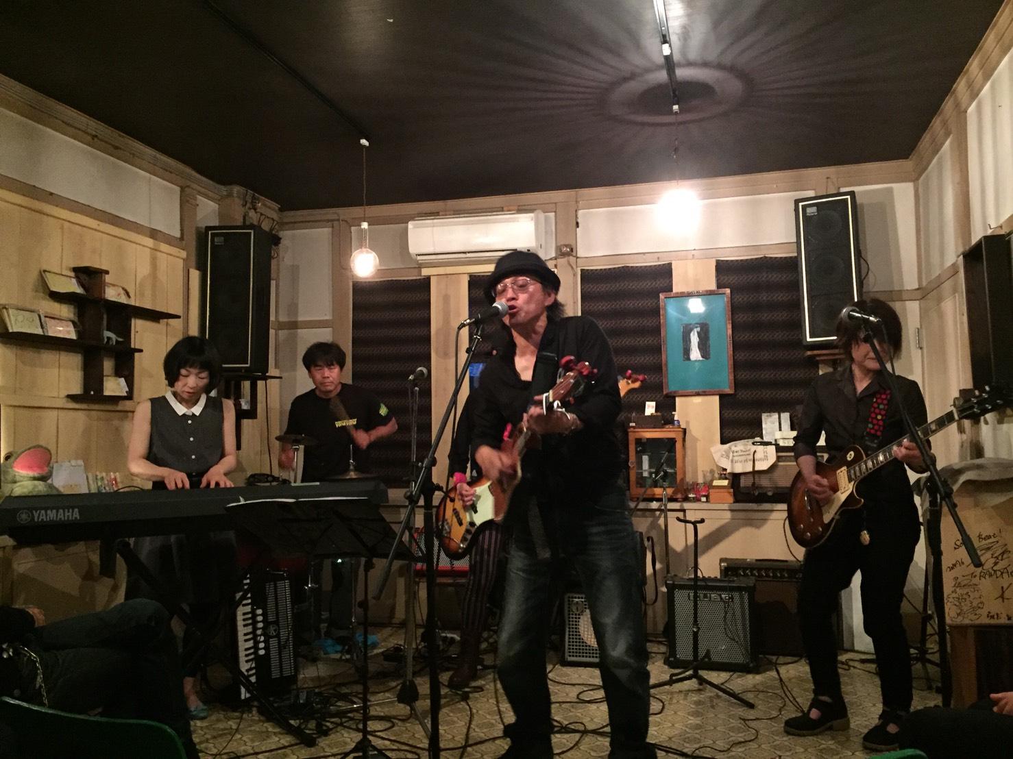 今日のライブ!!_d0191640_1172069.jpg