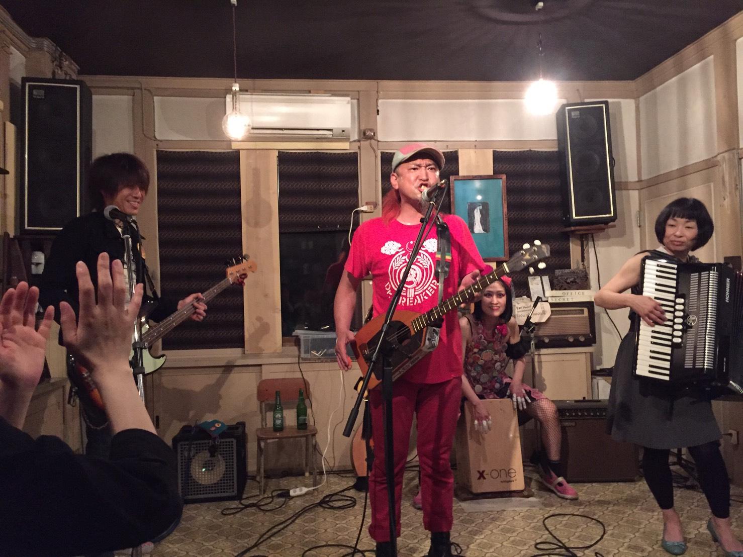 今日のライブ!!_d0191640_1172071.jpg