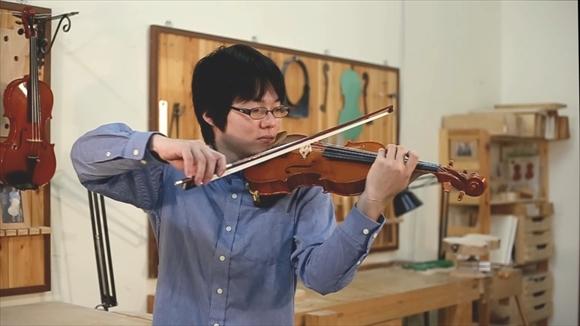 輪野光星さんの新作楽器、動画でご紹介。_d0047461_538559.jpg