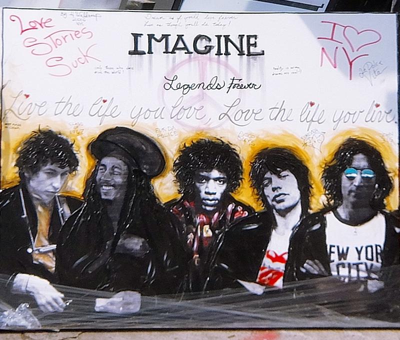 初夏のニューヨーク、SOHOの街角でアート作品を愛でる_b0007805_75557100.jpg