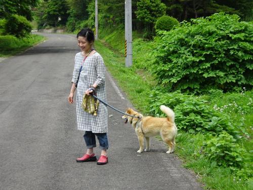 徒歩々遠足 果樹園にて_a0180681_1714524.jpg