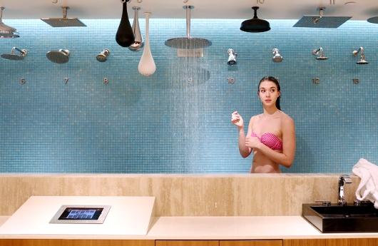 お風呂やシャワーまで試せる?!高級ホーム・グッズ・リテーラー、PIRCHのSOHO店の様子_b0007805_010457.jpg