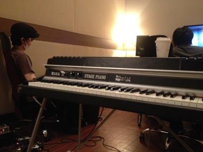 at studio with my Rhodes_c0077105_19125600.jpg