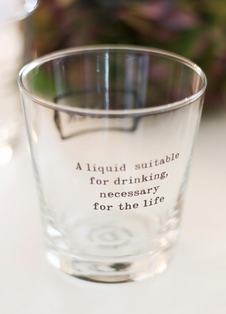 ロゴ入りグラスで飲みすぎる?_c0199544_22574099.jpg