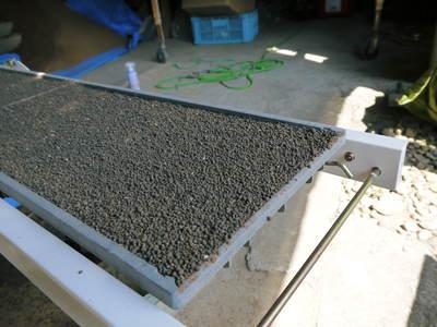 七城米 長尾農園 苗箱作り~美しすぎる苗床 惜しまぬ手間ひまで至高のお米を育てます(前編)_a0254656_1872361.jpg