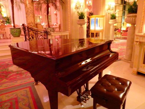 愛しの大英帝国がEU離脱。。。Afternoon Tea at The Ritz。。.♡ *。:☆.。† _a0053662_19492481.jpg