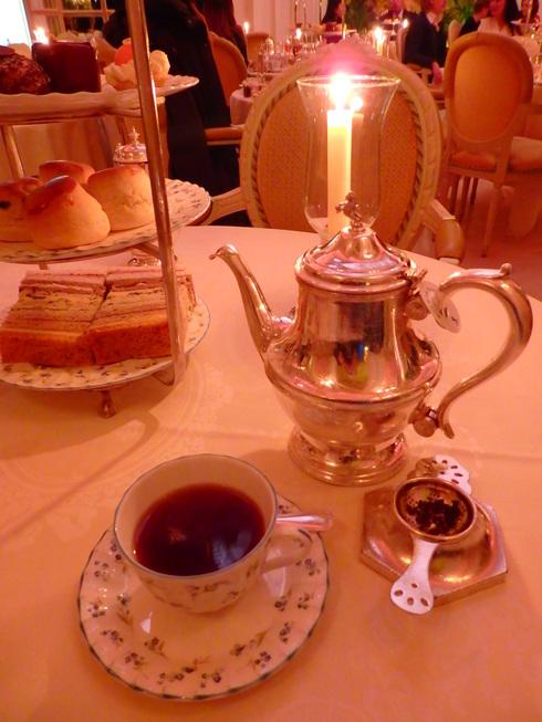 愛しの大英帝国がEU離脱。。。Afternoon Tea at The Ritz。。.♡ *。:☆.。† _a0053662_19533230.jpg