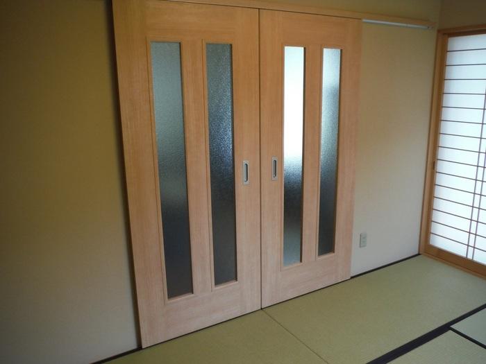 仏間と間仕切りと庭水栓 ~ 間仕切りドア完成です。_d0165368_1753575.jpg