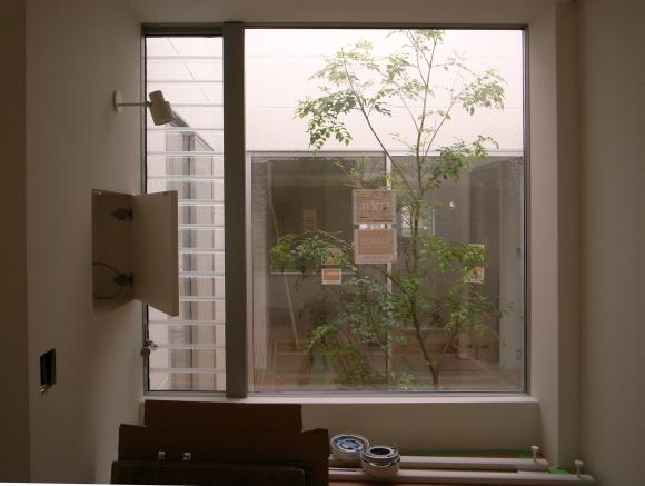 奈良津の家 中庭_f0341886_16393963.jpg