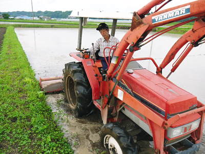 七城米 長尾農園 苗箱作り~美しすぎる苗床 惜しまぬ手間ひまで至高のお米を育てます(後編)_a0254656_1718468.jpg
