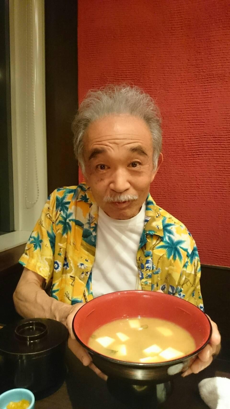 巨大な味噌汁にビックリのパンダ_b0096957_22515169.jpg