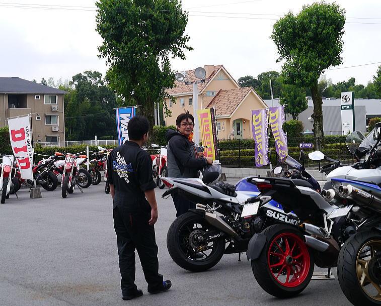 バイク走っています。_f0178858_13403635.jpg