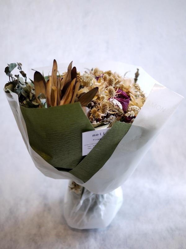 お誕生日に。ドライフラワーの花束。南5西3にお届け。_b0171193_18425648.jpg