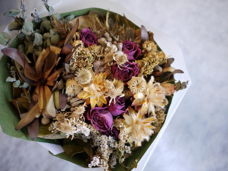 お誕生日に。ドライフラワーの花束。南5西3にお届け。_b0171193_18431062.jpg