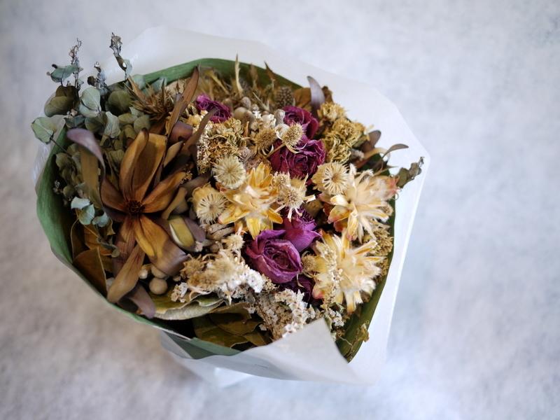 お誕生日に。ドライフラワーの花束。南5西3にお届け。_b0171193_18431947.jpg