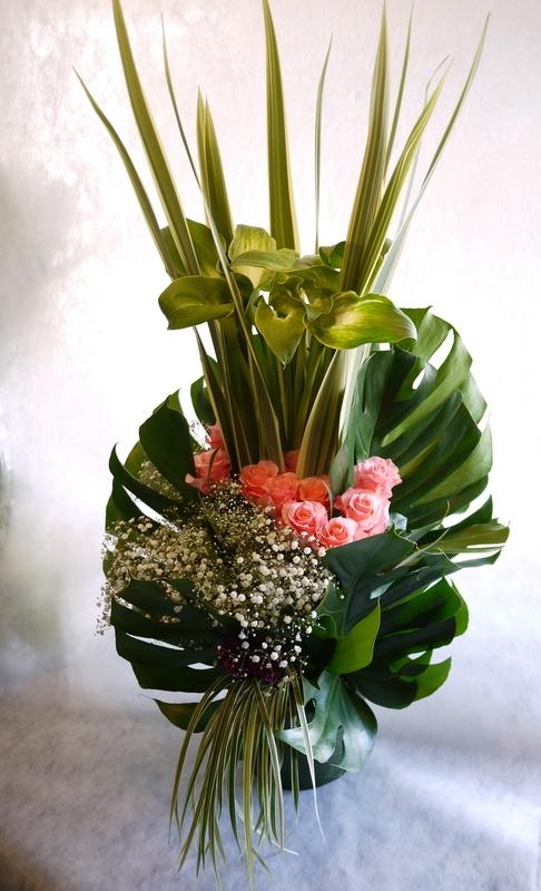 河内家菊水丸さんへのお祝いのお花。大阪のホテルでのパーティー会場に発送。_b0171193_19094627.jpg