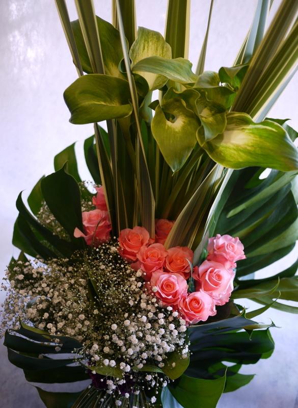 河内家菊水丸さんへのお祝いのお花。大阪のホテルでのパーティー会場に発送。_b0171193_19100600.jpg