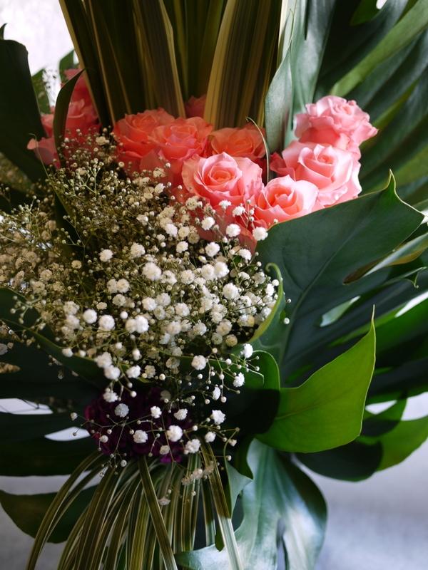 河内家菊水丸さんへのお祝いのお花。大阪のホテルでのパーティー会場に発送。_b0171193_19101087.jpg
