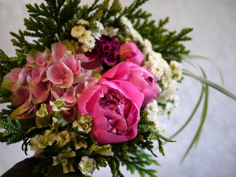 ご命日用の生花。月寒東1-15にお届け。_b0171193_19230265.jpg