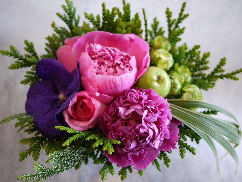 お母様の還暦のお祝いに。豊平6-3にお届け。_b0171193_19404887.jpg
