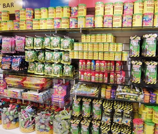 NYのディランズ・キャンディー・バーに世界初の3Dグミ用プリンター登場!!! _b0007805_4143726.jpg