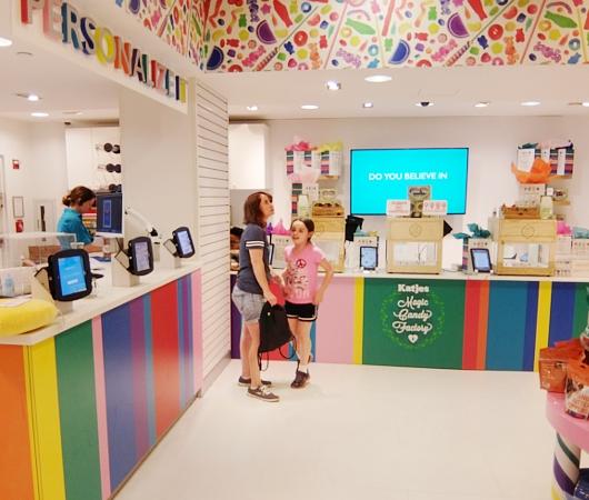 NYのディランズ・キャンディー・バーに世界初の3Dグミ用プリンター登場!!! _b0007805_4335418.jpg