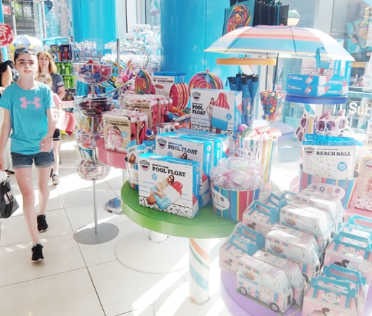 NYのお菓子屋さんの可愛いオリジナル・キャンディー柄下着?! Hanky Panky Collection_b0007805_7294918.jpg