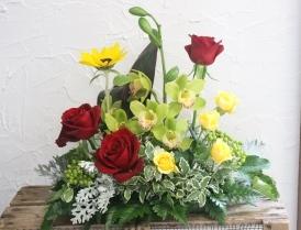 季節の生花アレンジ_d0227610_00344105.jpg
