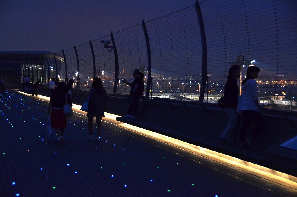 夜の羽田空港_d0065116_220327.jpg