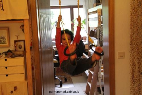 吊り輪十変化_d0144726_7252630.jpg