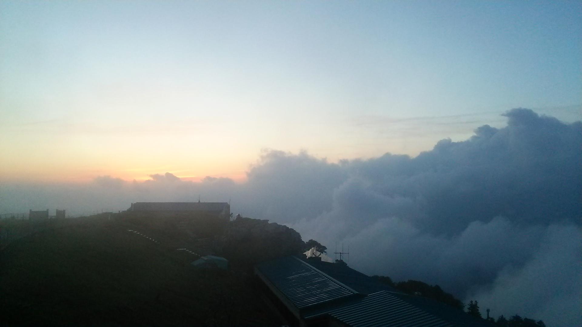 6月27日 朝の気温7℃。快晴。_c0089831_643557.jpg
