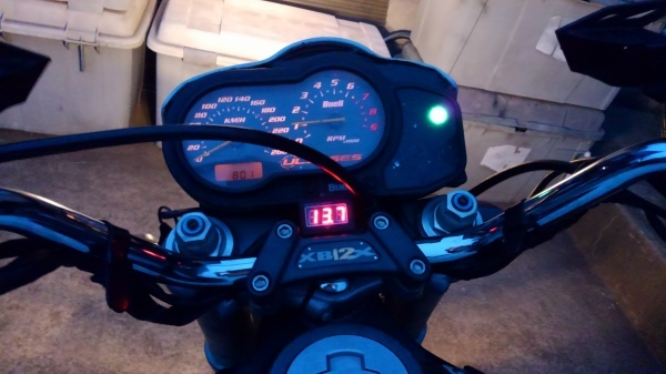 XB12X 電圧計の取り付け_e0086244_21154575.jpg