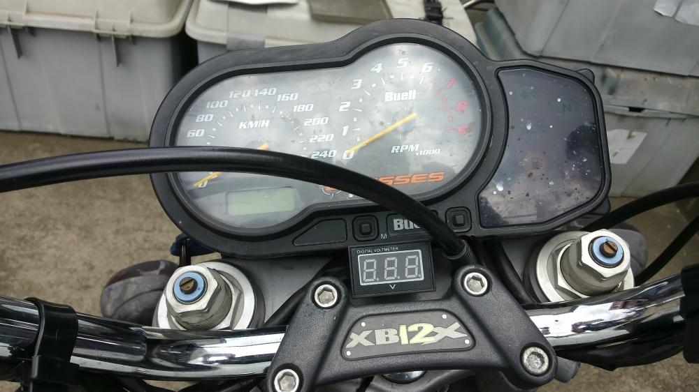 XB12X 電圧計の取り付け_e0086244_21154580.jpg