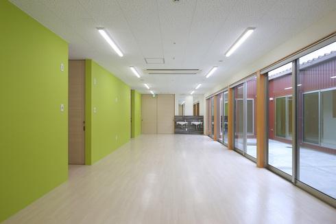 串木野の児童福祉施設が完成!!_d0174072_1465752.jpg