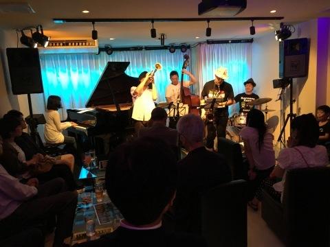 Jazzlive comin 広島   本日のライブ!_b0115606_11572317.jpeg