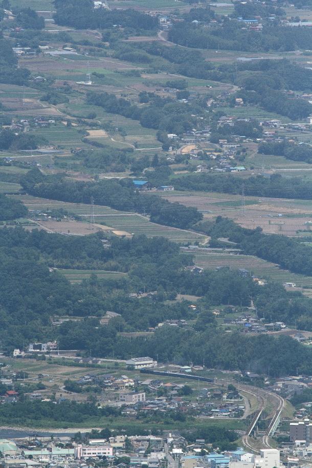 田畑と森の風景 - 2016年初夏・上越線 -  _b0190710_2343420.jpg