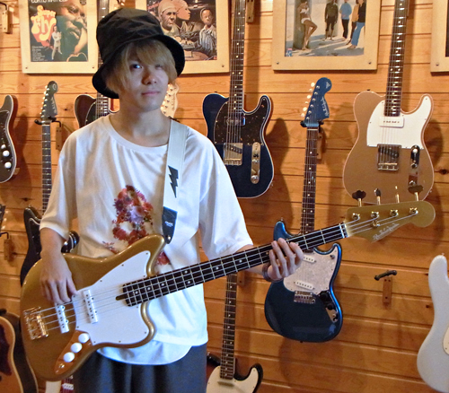 Amelie あっきーさんの「Psychomaster Bass」が完成!!!_e0053731_15213974.jpg
