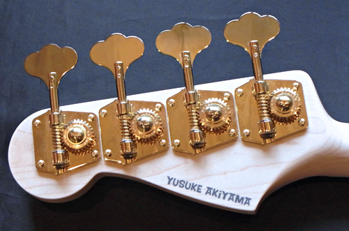 Amelie あっきーさんの「Psychomaster Bass」が完成!!!_e0053731_15215223.jpg
