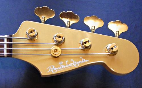 Amelie あっきーさんの「Psychomaster Bass」が完成!!!_e0053731_15215662.jpg