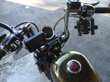 \'13 XL1200X 携帯ホルダー&USBソケットの取付_d0348774_22515875.jpg