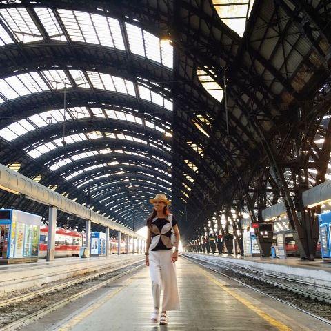 イタリア旅行 >ジャンコクトーが描く『マントン市役所・婚礼の間』_a0138976_14375960.jpg