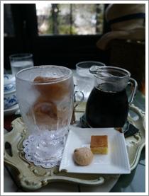 『カフェ・ド・ギャラリーアダチ』さん_b0142989_1748821.jpg