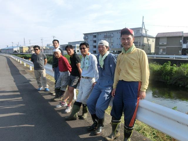 5年間愛用した草刈り機が金属疲労でオシャカに  「小潤井川友の会」の草刈り清掃_f0141310_653351.jpg